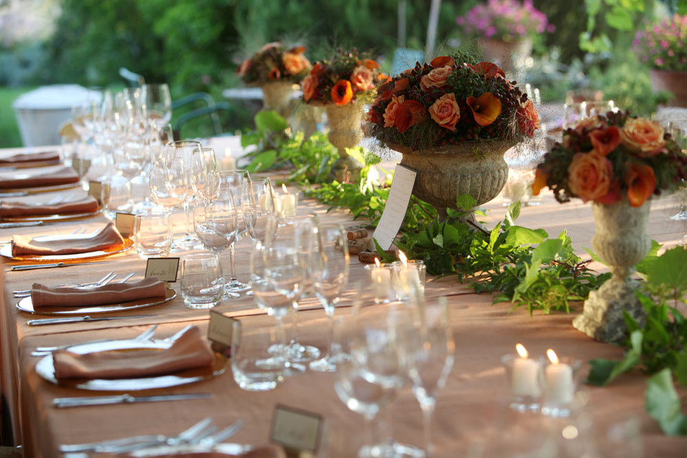 Table settings bohemian style wedding