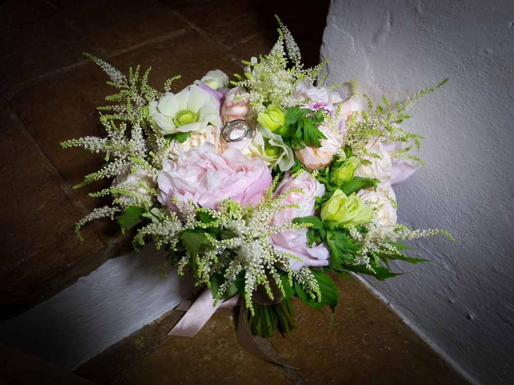 classic boquet for wedding in tuscany