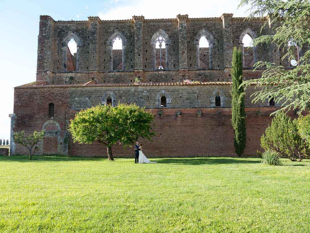 elopment wedding tuscany san Galgano