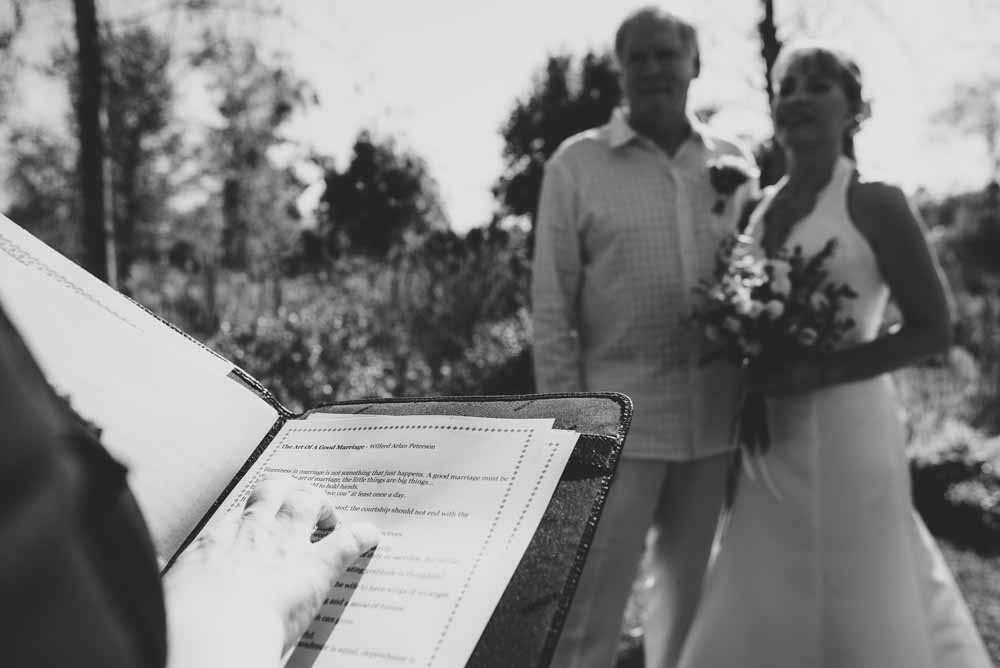 professional celebrant for wedding in tuscany