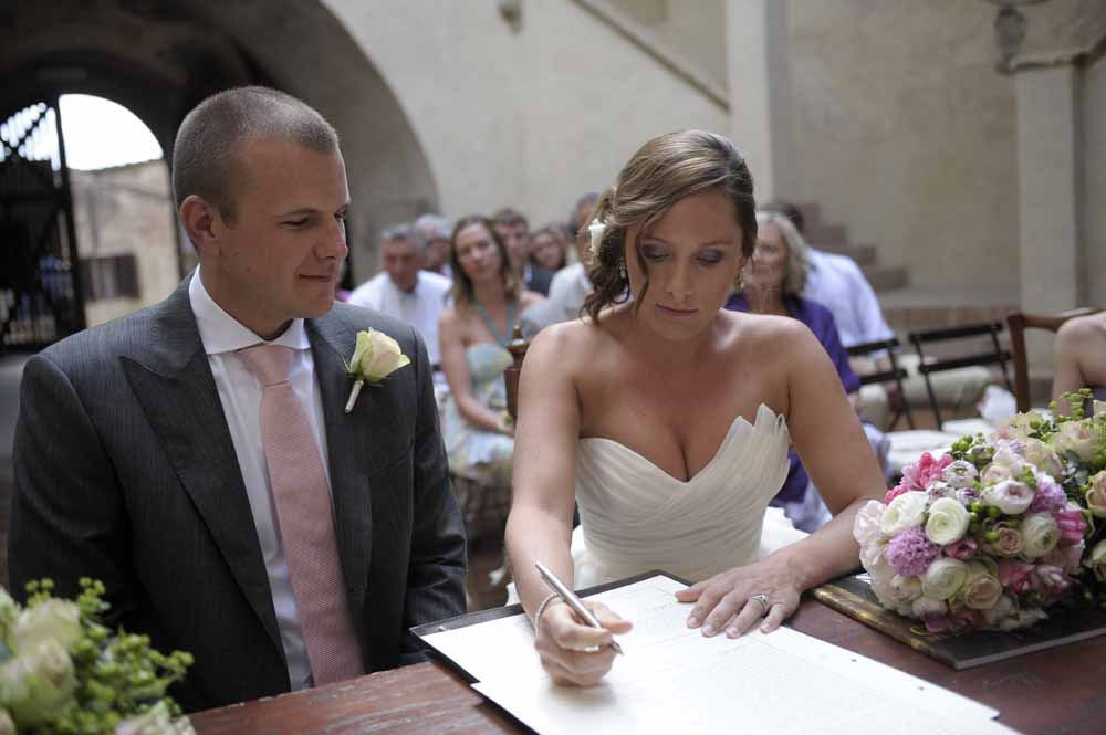civil document to get married in tuscany