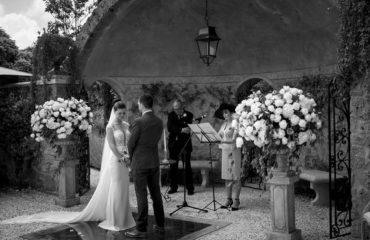 Katie David ceremony tuscany