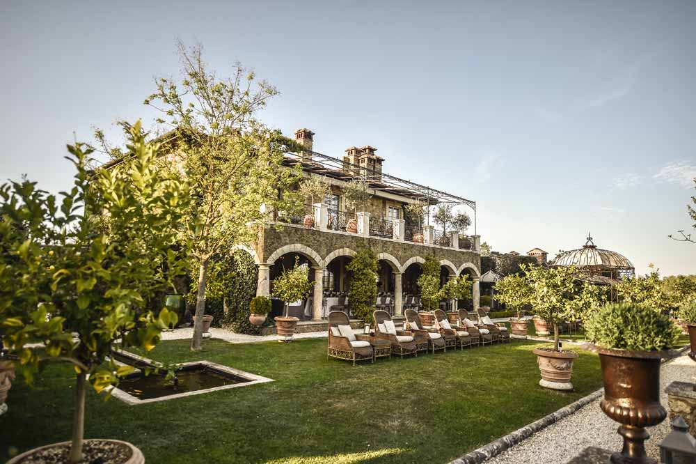 Wedding venues tuscany relais in countryside