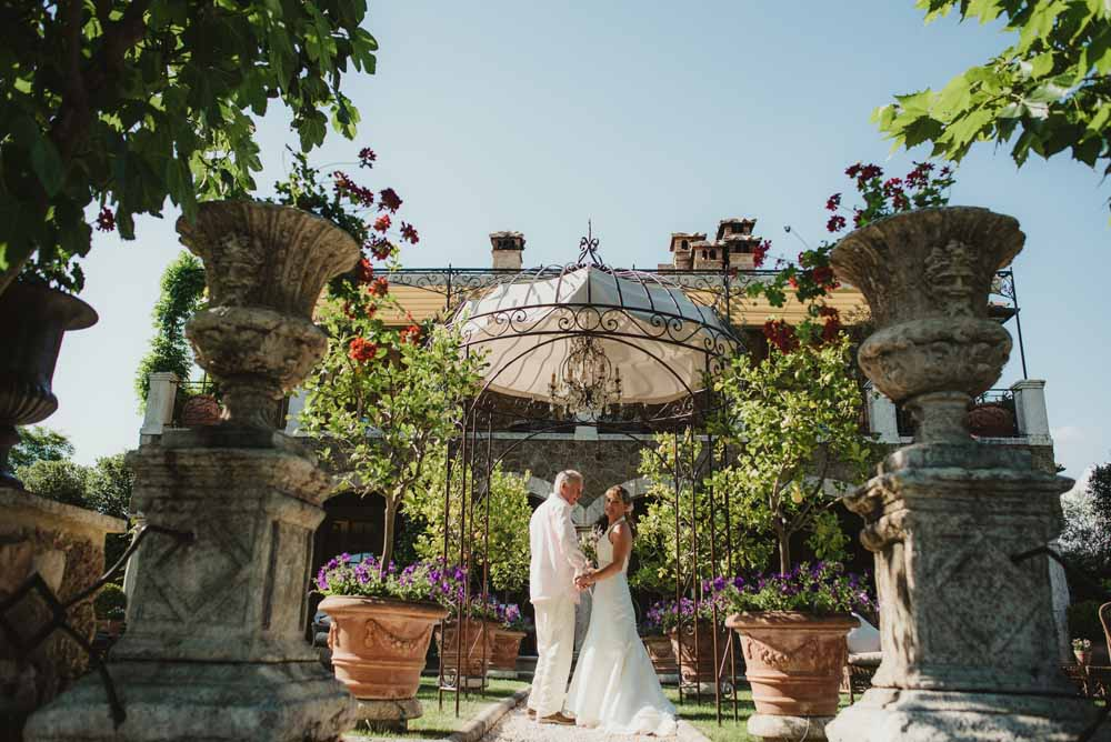 Garden ceremony wedding venues in tuscany