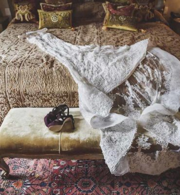 white bridal dress weddding tuscany