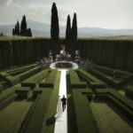 Villa la Foce wedding garden in Tuscany
